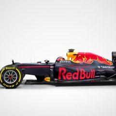 F1 Malesia: Ricciardo guida una rocambolesca doppietta Redbull